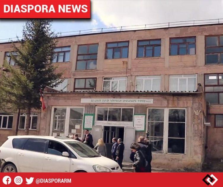 diasporarm-diaspora-news-20-schools-in-rural-armenia-receive-tech-property-from-the-armenian-community-in-the-netherlands